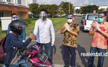jababeka residence bagikan hand sanitizer masker covid-19 suteja darmono realestat id dok