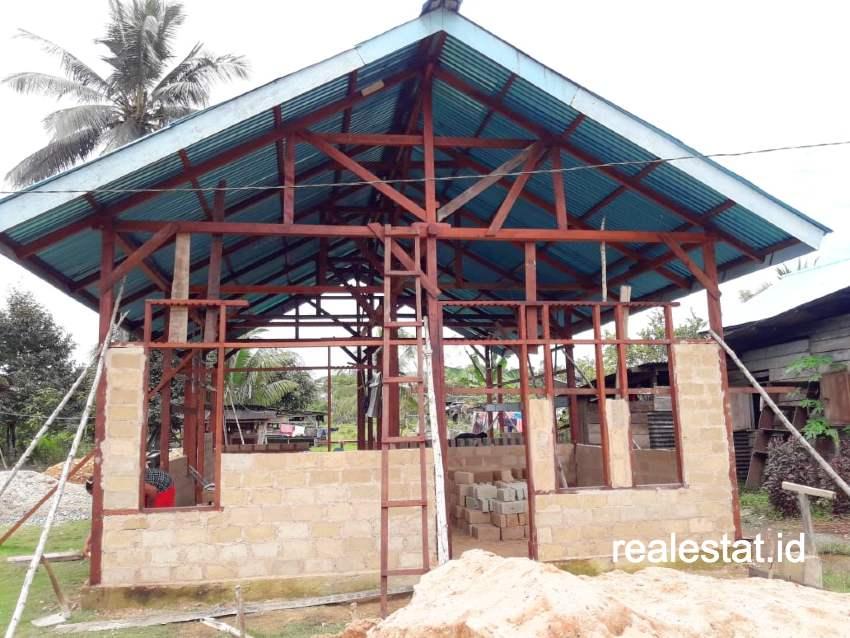 Program Bedah Rumah (BSPS) di Papua Barat. (Foto: Dok. Kementerian PUPR)