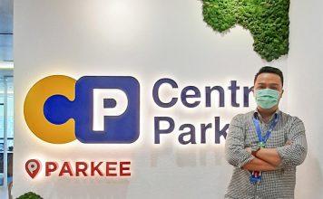 Centre Park, Charles R. Oentomo, bisnis perpakiran