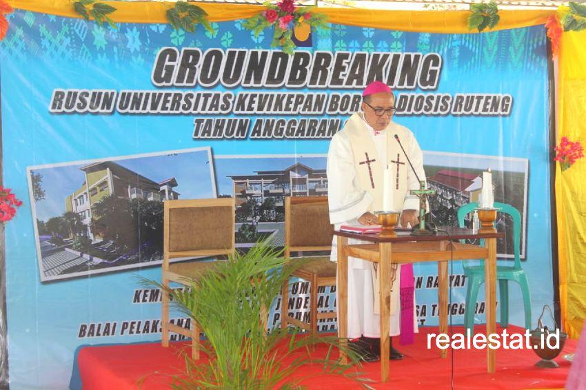 Groungbreaking Rumah Susun Mahasiswa Universitas Kevikepan Borong Diosis Ruteng, Manggarai Timur, NTT (Foto: Dok. Kementerian PUPR)