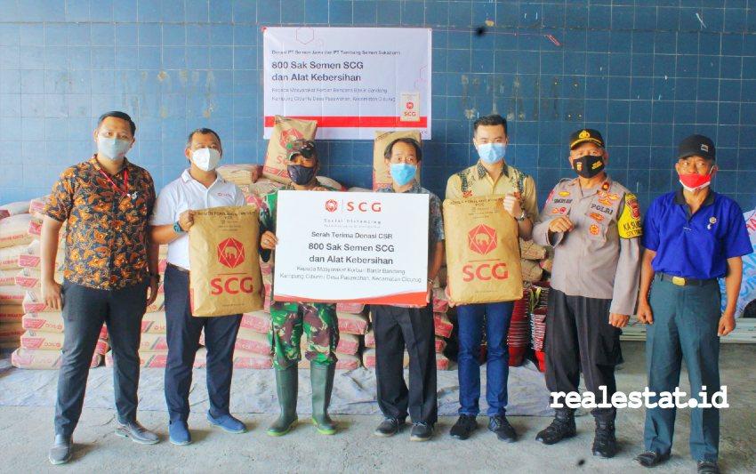 SCG berikan donasi kepada korban bencana banjir di Cicurug.
