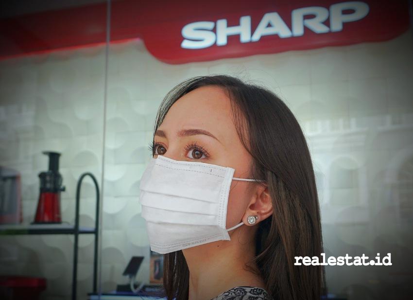 Masker Sharp Indonesia dapat digunakan dalam aktivitas  sehari-hari.