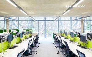 Philips UV-C disinfection liner, salah satu jenis lampu produksi Signify yang berfungsi mendisinfeksi virus di gedung perkantoran. (Foto: dok. Signify Indonesia)