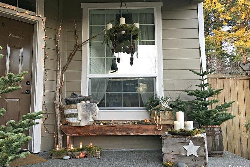 Ide inspirasi dekorasi natal di teras rumah. (Foto: www.littlebrags.blogspot.com)