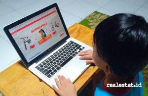 Website Sharp e-Store (Foto: RealEstat.id)