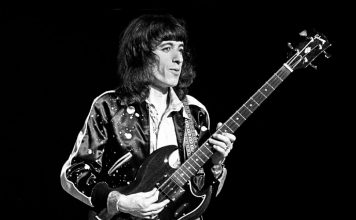 bill wyman the rolling stones tutup duduk toilet termahal toilet seat cover guitarworld realestat.id dok