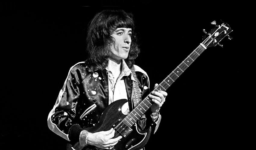 Bill Wyman (Foto: GuitarWorld.com)