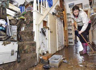 tips bersih rumah usai banjir, banjir jakarta, banjir bekasi, rumah terendam banjir