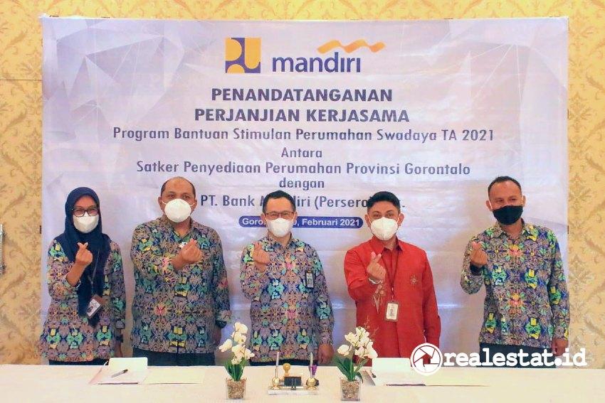 Penandatanganan Perjanjian Kerjasama antara Kementerian PUPR dengan Bank Mandiri untuk penyaluran Dana Program BSPS di Gorontalo.