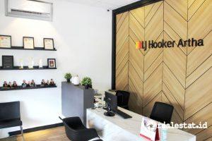 Kantor Agen Properti LJ Hooker.