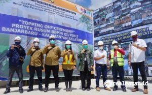 Topping off Rusun BBPJN XI Banjarbaru (Foto: Kementerian PUPR)