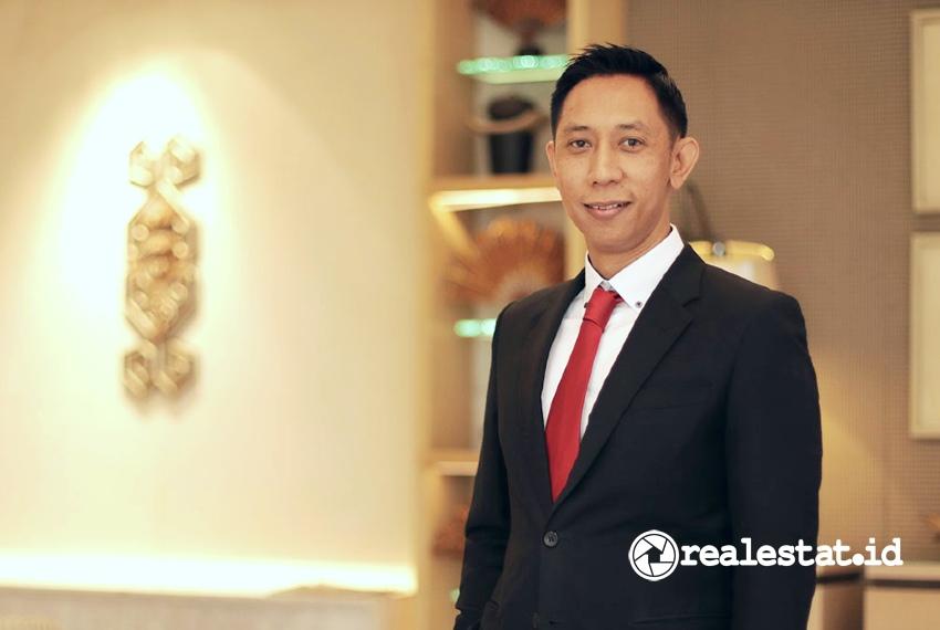Reiza Arief Juremi, Manajer Penjualan Crown Group Indonesia.