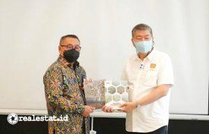 Dirjen Perumahan, Khalawi Abdul Hamid (kiri) dan Ketua Umum DPP REI, Paulus Totok Lusida (Foto: dok. Kementerian PUPR)