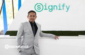 Dedy Bagus Pramono resmi menggantikan Rami Hajjar sebagai Country Leader Signify Indonesia. Dalam periode selanjutnya, Rami Hajjar akan menduduki posisi baru sebagai CEO untuk Asia Tenggara yang berbasis di Singapura. Foto: dok. Signify)