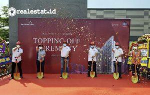 Kegiatan seremoniyang dilakukan dalam rangka peresmian tahaptopping offdari pembangunan proyek apartemen JKT Living Star. (Foto: dok. JKT Living Star)