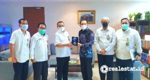 Direktur Jenderal Perumahan Kementerian PUPR, Khalawi Abdul Hamid (ketiga dari kiri), saat menerima audiensi Walikota Prabumulih, H Ridho Yahya di Kantor Direktorat Jenderal Perumahan Gedung G Kementerian PUPR, Jakarta.