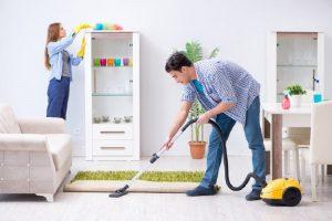 Ilustrasi membersihkan rumah dengan efektif. (Foto: Shutterstock)