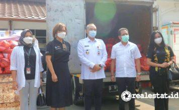 Sinar Mas Land Berikan 1.000 Paket Bahan Pangan kepada Warga Terdampak Covid-19 di Kabupaten Tangerang realestat.id dok