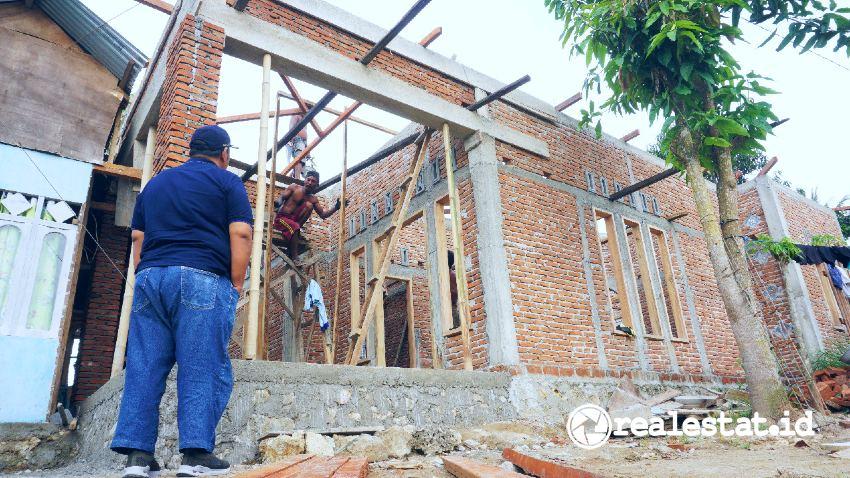 Renovasi rumah melalui Program BSPS (Foto: Kementerian PUPR)