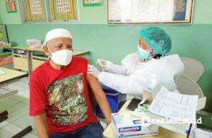Yayasan Muslim Sinar Mas Land Memfasilitasi vaksinasi COVID-19 bagi para Lansia, Petugas Layanan Publik dan Pegiat Masjid.