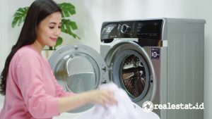 Mesin cuci Polytron Wonderwash 2-in-1 Washer Dryer. (Foto: Polytron.co.id)