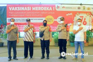 Kota Modern Bersama Polsek Tangerang Gelar Vaksinasi Merdeka, Kamis, 5 Agustus 2021. (Foto: Dok. Modernland Realty)
