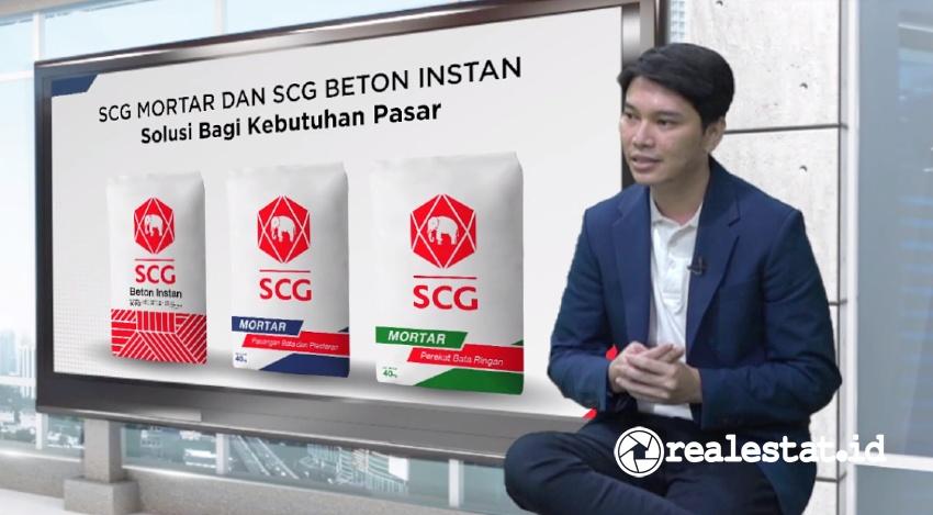 Marketing and Branding Manager SCG CBM Indonesia, Sandy Fitransah menjelaskan produk SCG Mortar dan SCG Beton Instan.