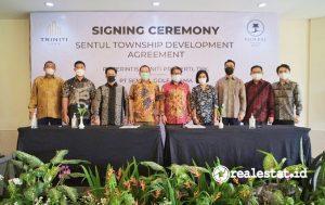 Signing ceremony antara PT Perintis Triniti Properti Tbk dengan PT Sentul Golf Utama, Rabu, 18 Agustus 2021 (Foto: Dok. Triniti Land)
