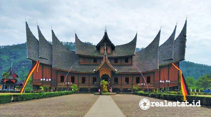 Rumah Gadang (Foto: Pixabay.com)