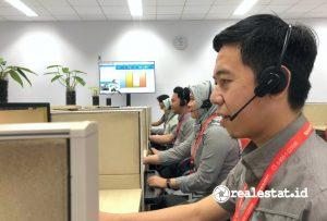 Petugas Call Center Sharp Indonesia tengah melayani konsumen (Foto: Dok. Sharp Indonesia)
