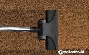 membersihkan debu di dalam rumah vacuum cleaner karpet pixabay realestat.id dok