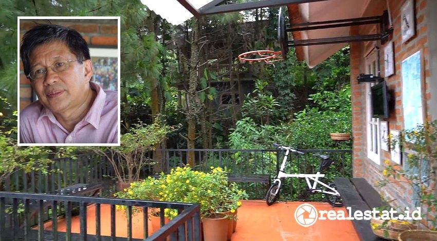 Rumah Rocky Gerung (Foto: Youtube Edriana Views/Wikipedia)