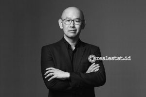 Iwan Sunito, Komisaris dan CEO Crown Group.